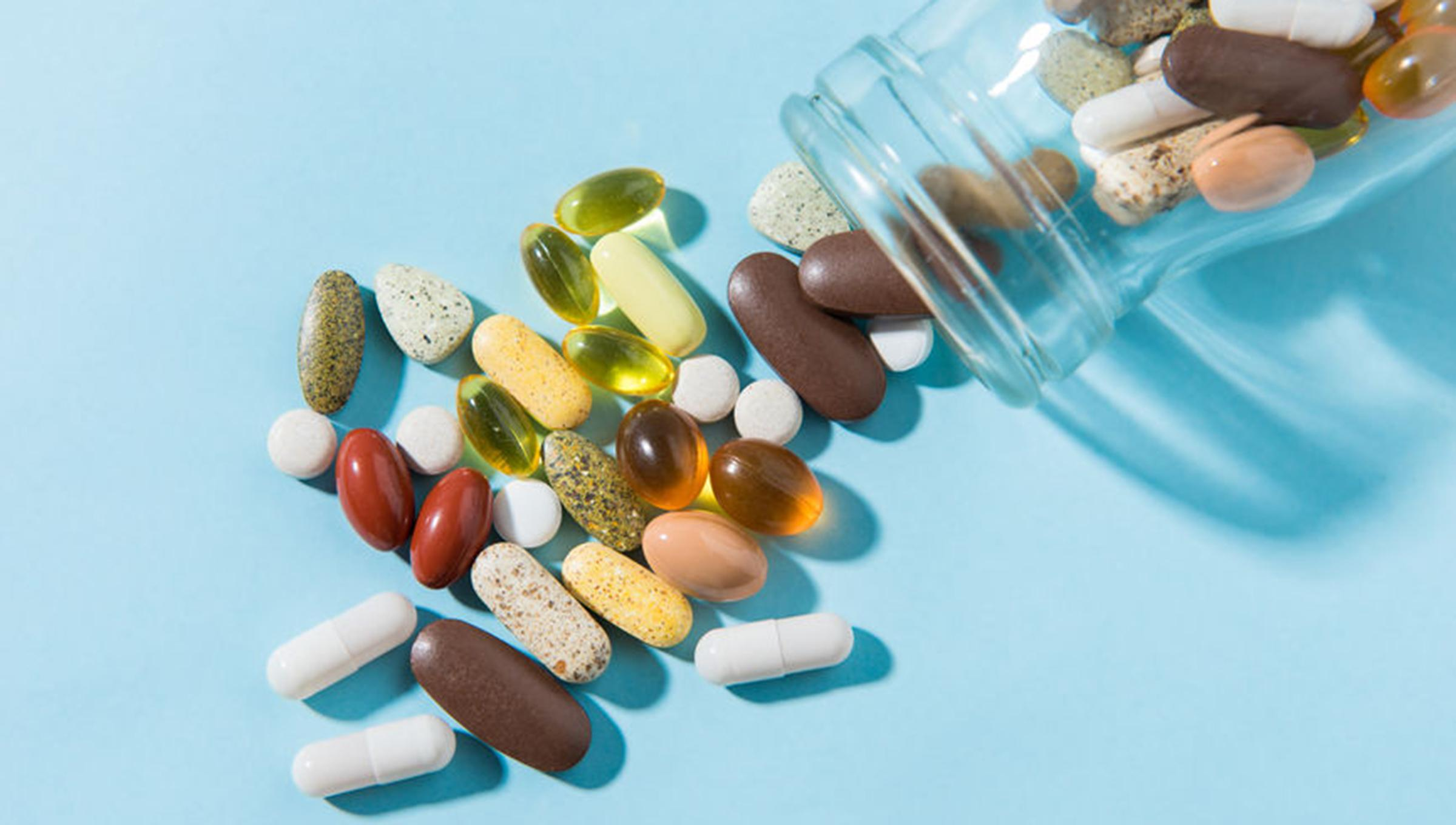 Use of Dietary supplements for chronic pain treatment